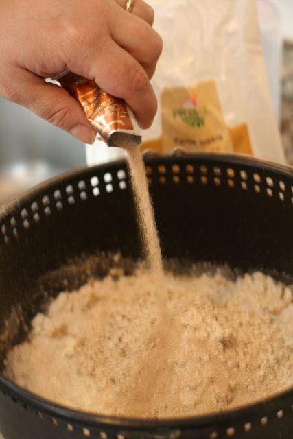 preparation dans la cuve la fournée de Moulinex
